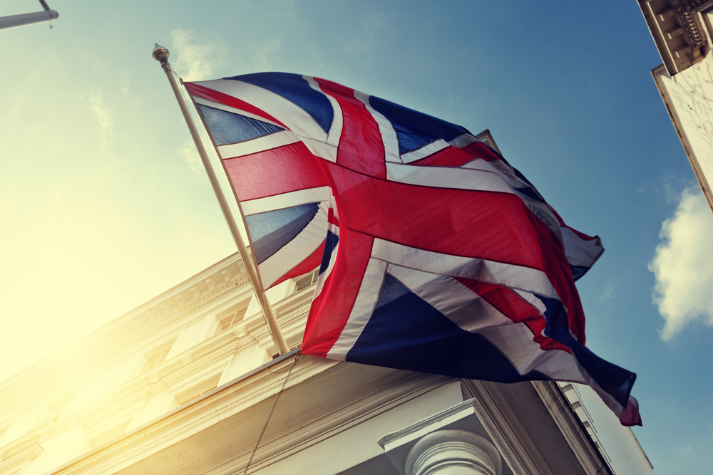 www.customs4trade.comhubfsflag of UK on government building